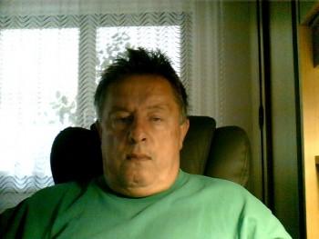 kutyafiu 67 éves társkereső profilképe