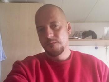 Sziárd 42 éves társkereső profilképe