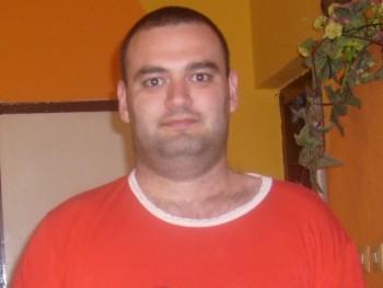 Péter03 34 éves társkereső profilképe