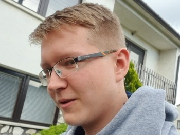 Kennyyy 18 éves társkereső profilképe