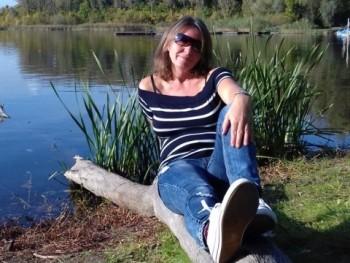 Juszti 48 éves társkereső profilképe