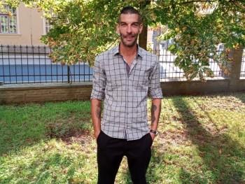 peka 40 éves társkereső profilképe