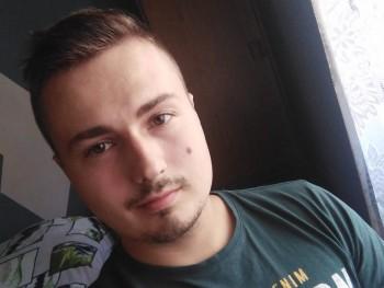 Pillár 24 éves társkereső profilképe