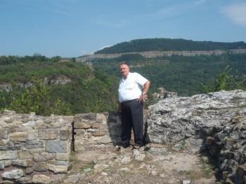 ottó bácsi 70 éves társkereső profilképe