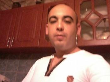 Tom28 28 éves társkereső profilképe