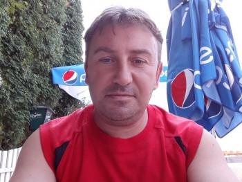 pogácsa 45 éves társkereső profilképe
