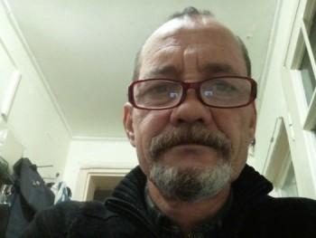 István 55 55 éves társkereső profilképe