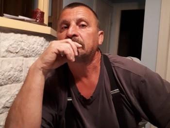 Csinos 55 éves társkereső profilképe