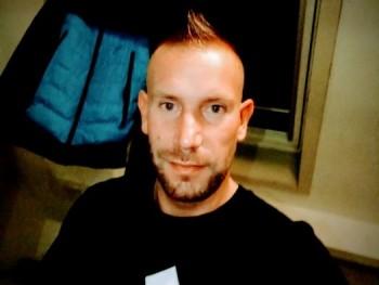 Ralf 33 éves társkereső profilképe