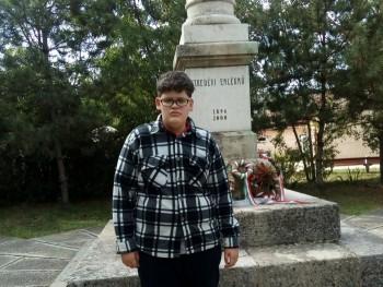 szaboricsi814 19 éves társkereső profilképe