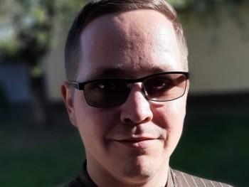 Gabi 12 31 éves társkereső profilképe