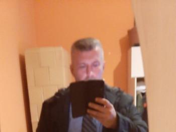 kriszton 44 éves társkereső profilképe