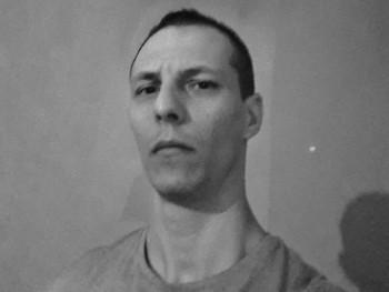 Creed 33 éves társkereső profilképe