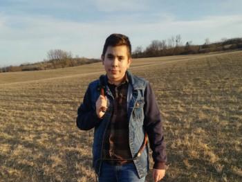 Emil 16 éves társkereső profilképe