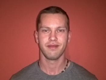 Dexter 34 éves társkereső profilképe