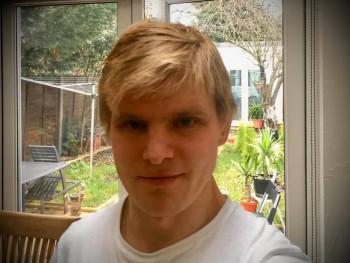 Attila 84 37 éves társkereső profilképe