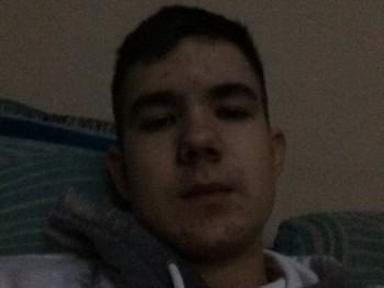 Kristóf2004 17 éves társkereső profilképe
