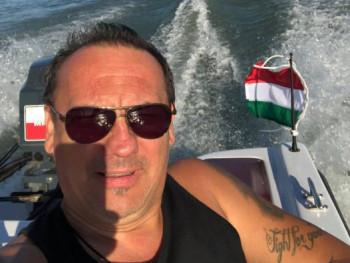 bolcsi10 53 éves társkereső profilképe