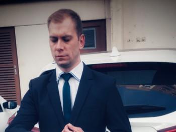 RealGent 34 éves társkereső profilképe
