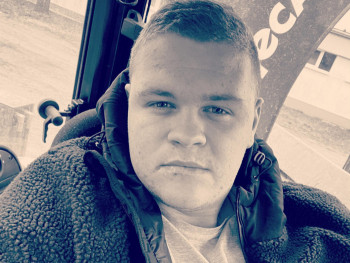 BenceMolnar 21 éves társkereső profilképe