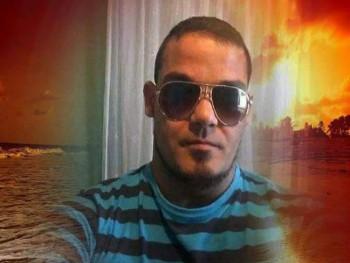 Gábor 36 37 éves társkereső profilképe