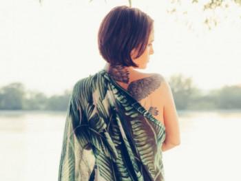tetovált társkereső)
