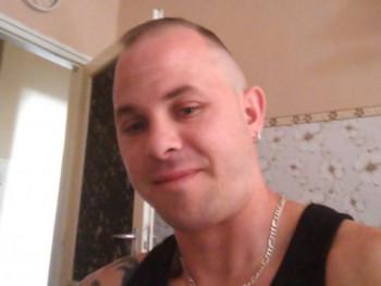 dzsigoló44 35 éves társkereső profilképe