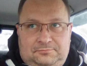 SzabiLaca 42 éves társkereső profilképe