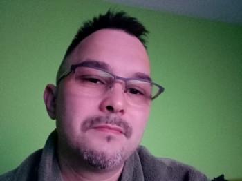 kujo 44 éves társkereső profilképe