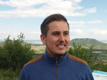 Gyuszi576 30 éves társkereső profilképe