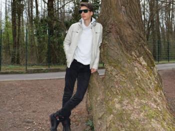 Tomestos 24 éves társkereső profilképe