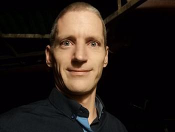 lorke 36 éves társkereső profilképe