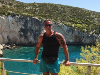 István 50 50 éves társkereső profilképe
