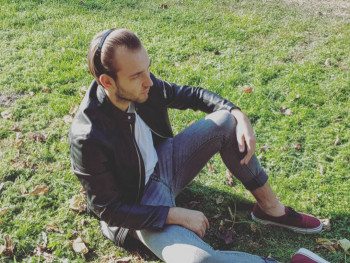 LezitDey 18 éves társkereső profilképe