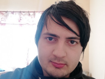 KDaniel123 22 éves társkereső profilképe
