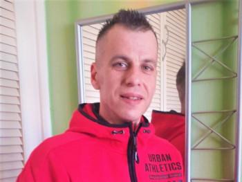 Kristóf Takács 45 éves társkereső profilképe