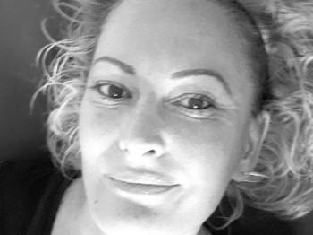 mucc 43 éves társkereső profilképe