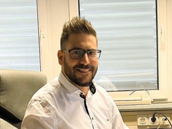 chrigls 36 éves társkereső profilképe