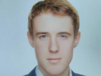 Bálint19 20 éves társkereső profilképe