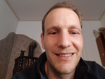 Akos1 35 éves társkereső profilképe