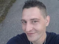 Csabi1021 - 34 éves társkereső fotója
