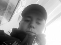 Karcsi16 - 16 éves társkereső fotója