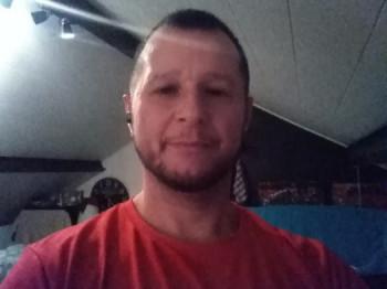 Futmen 49 éves társkereső profilképe