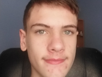 Dominik360 16 éves társkereső profilképe