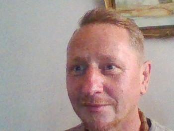 Robee 56 éves társkereső profilképe