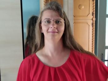 Ági22 47 éves társkereső profilképe