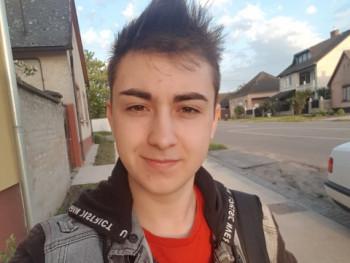 PetiiiK 17 éves társkereső profilképe