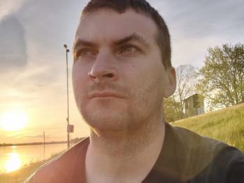 vinczeistvan 29 éves társkereső profilképe