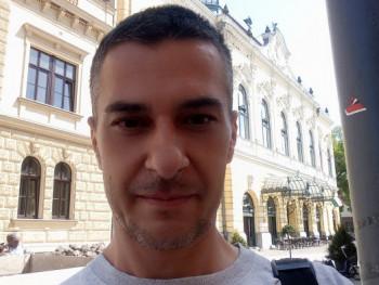 csaba abc 45 éves társkereső profilképe
