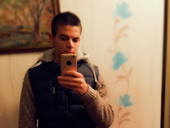 tomi564 24 éves társkereső profilképe